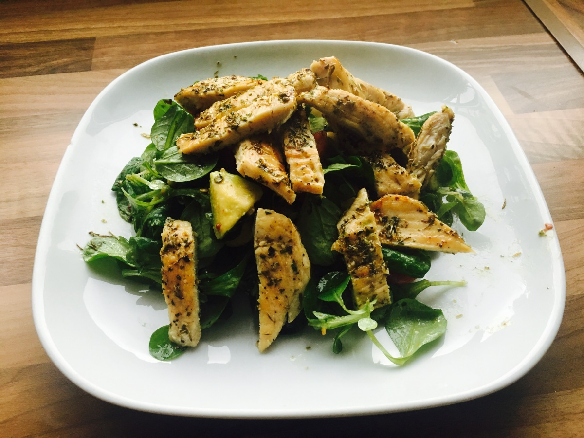 Grilled chicken salad with avocado and radish